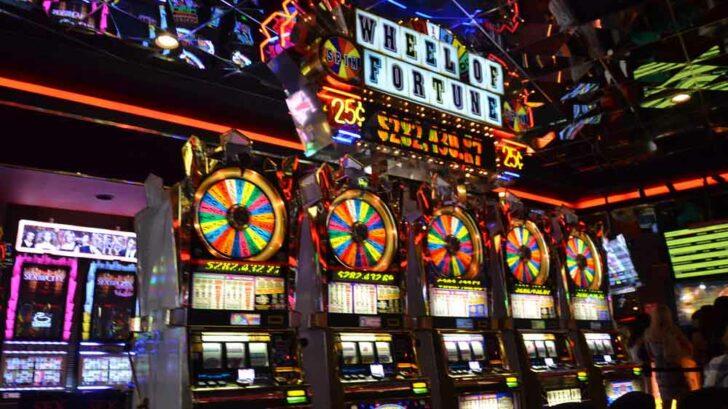 gamble feature slots