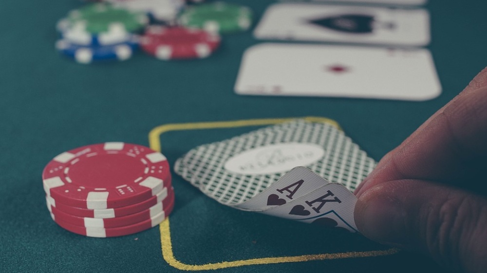 7 Clear Reasons Your Bankroll Is Always Running Out